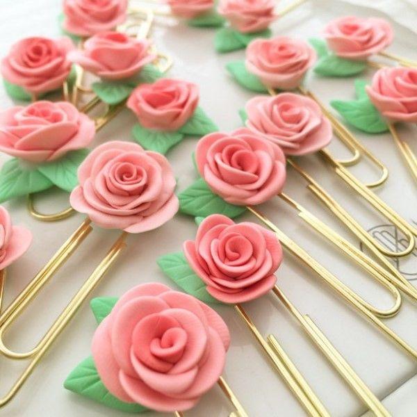 alfinete de flor de biscuit
