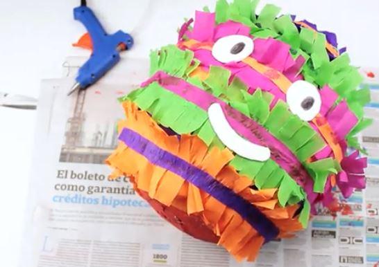 piñata com rosto