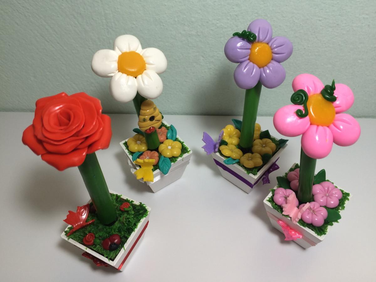 vasos de flores cartunescas