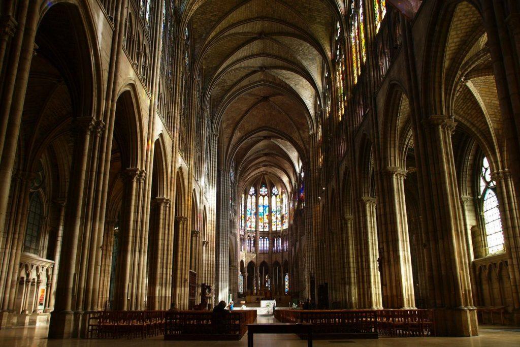 predio gotico interior