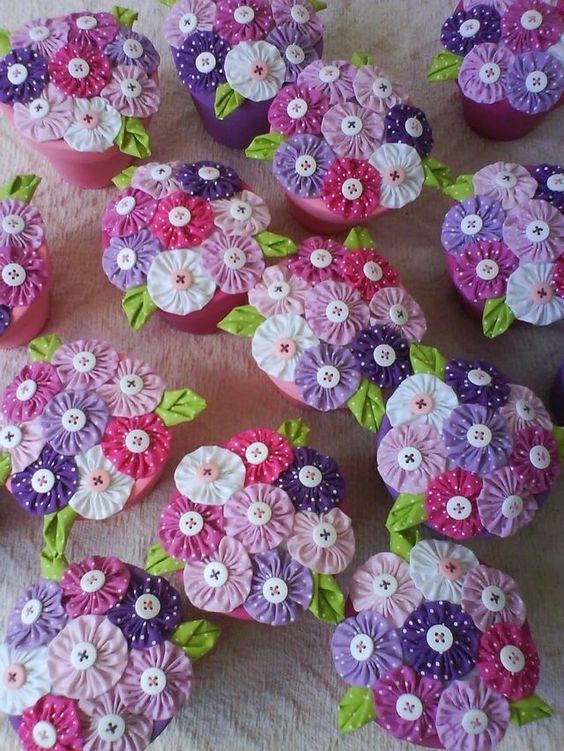 decoração flores de fuxico