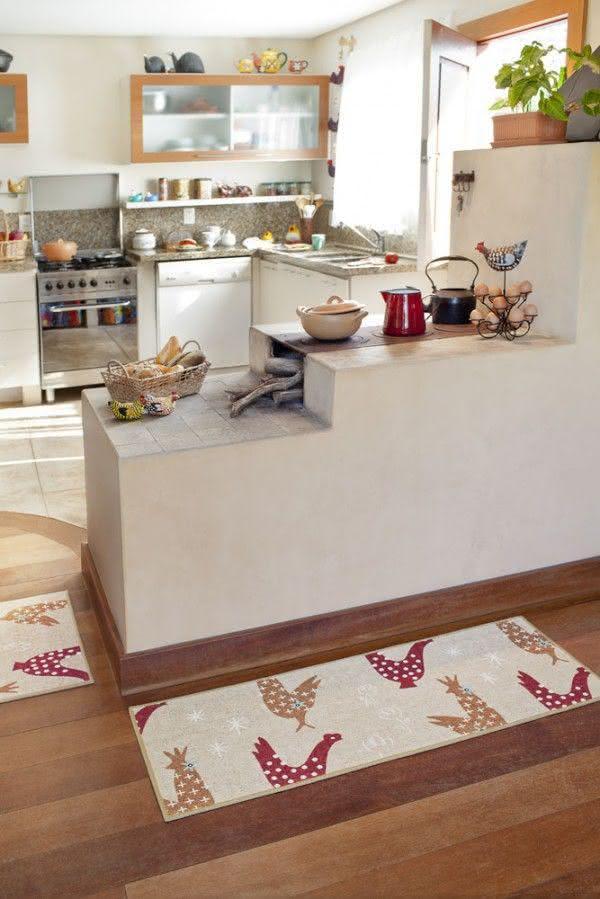 fogão a lenha em cozinha clean